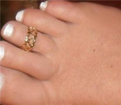 "1/4"" GOLD gep Sweet Heart Open cut Toe Band Finegr Ring"
