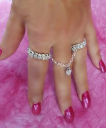 Double trouble sexy duo ring with Heart charm Rhinestone