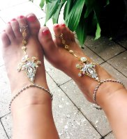 One of a Kind wedding designe crystal gold gep anklets